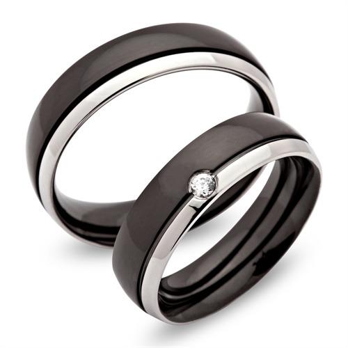Partnerringe schwarz edelstahl  Schwarz silberne Edelstahl Partnerringe (6mm) mit Gravur günstig ...